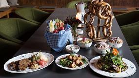 Fotografia de La histórica vajilla Alt Luxemburg de Villeroy & Boch viste las mesas del moderno restaurante Servus Heidi de Múnich
