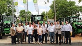 Fotografia de John Deere entrega en Fercam los primeros tractores 5R y 9R llegados a España