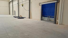 Foto de Lotum renueva un pavimento industrial aplicando un tratamiento antipolvo