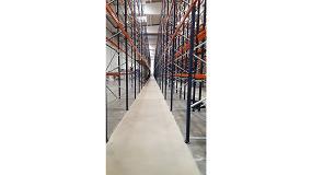 Foto de Lotum acondiciona los pasillos de un almacén con un pavimento de alta planimetría