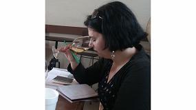 Foto de Anne Krebiehl, editora de Wine Enthusiast, visita bodegas catalanas