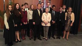 Foto de Una estudiante de Tarragona entre los 5 ganadores de la final internacional de las Competiciones de Debate para Jóvenes Europeos de 2017