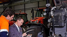 Foto de Kubota envía a España ingenieros de fábrica para inspeccionar tractores y ayudar a los usuarios