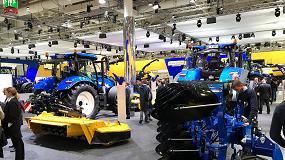 Foto de New Holland distribuirá a través de su red, en azul y amarillo, los implementos de forraje y preparación del terreno fabricados por Kongskilde