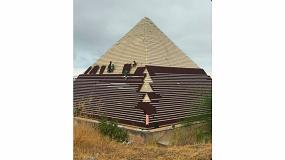 Foto de Rehabilitación, impermeabilización y ventilación de la Pirámide Keops de Terra Mítica con el Sistema Onduline Bajo Teja DRS