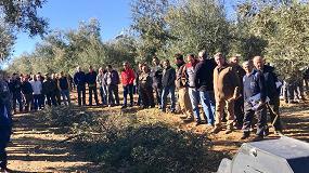 Foto de 300 asistentes en una jornada sobre mecanización sostenible del olivar en Badajoz