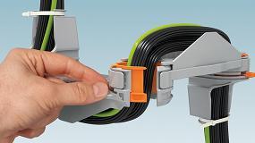 Foto de Guía sencilla de cables y conductores a la puerta del armario de control