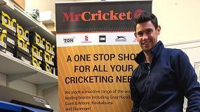 Foto de Mr Cricket impulsa su negocio con la impresora/cortadora Roland TrueVIS SG-300