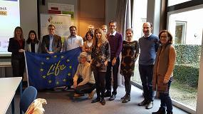 Foto de Life-Flarex examina la selección de productos a utilizar durante el proyecto en la segunda reunión de consorcio en Centexbel