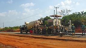 Foto de Extendido de hormigón en el sureste de Nigeria con una extendedora de encofrado deslizante SP500 de Wirtgen