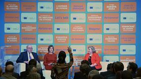 Foto de El comisario europeo y la ministra de Agricultura debaten con ciudadanos en Sevilla