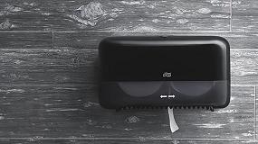 Foto de Tork Coreless, la última innovación de Tork para optimizar tiempo, coste y esfuerzo en el mantenimiento de los aseos