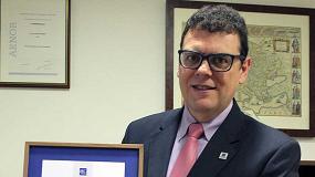 Foto de Carlos J. Vives, de Afeisa, recibe el premio IEC '1906 Award'
