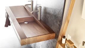 Foto de Bathco es consciente de que la madera es el material constructivo más antiguo conocido y la utiliza en su nueva línea de baño