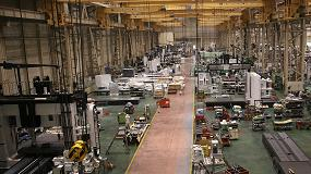 Foto de Okuma expone una máquina de doble columna en su centro técnico de Austria