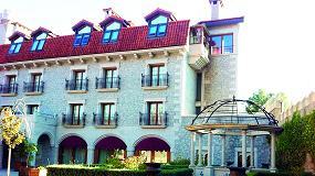 Foto de Rehau instala sus ventanas eficientes en el Hotel Real de Bohoyo