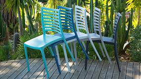 Foto de Grosfillex presenta la silla Sunday en azul Denim, un clásico en auge para las terrazas más genuinas