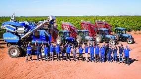 Picture of La nueva Braud 9090X de New Holland vendimia 197,6 toneladas en 8 horas