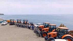 Foto de Estepona elige Kubota para la limpieza y mantenimiento de sus playas