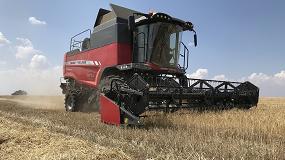 Foto de La cosechadora Beta de Massey Ferguson entra en acción
