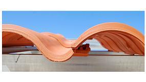 Foto de Diseño y altas prestaciones se unen en Klinker Hydra, la teja mixta cerámica de Cobert