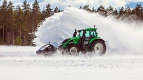 Foto de Valtra bate el récord mundial quitando nieve con un tractor no tripulado