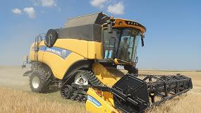 Foto de Cosechadora New Holland CX7.90 + Empacadora New Holland BigBaler1290 Plus