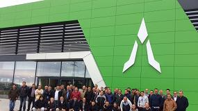 Foto de Deutz-Fahr invita a medio centenar de agricultores a visitar su nueva fábrica en Alemania