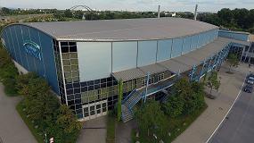 Foto de Aficionados, visitantes y empleados de das Stadtwerk.Donau-Arena confían en la tecnología de vídeo de Regensburg