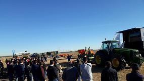 Foto de Farming Agrícola muestra en el campo su fortaleza creciente