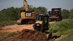 Foto de Cat Grade con 3D mejora la eficiencia de los tractores de cadenas D3K2, D4K2 y D5K2 de Caterpillar