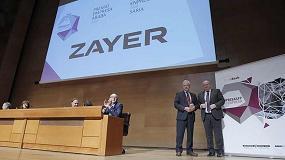 Foto de Zayer, premio Empresa 2018 de manos de Confebask