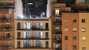 Foto de Un edificio en Barcelona duplica sus plantas y número de viviendas en tres días
