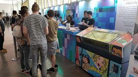 Foto de La impresora Roland VersaUV LEF personaliza libretas con los diseños más creativos en el Festival OFFF Barcelona