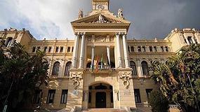 Foto de Rentokil Initial inicia un tratamiento para controlar la presencia de palomas y aves en la fachada del Ayuntamiento de Málaga