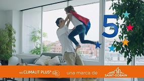 Foto de Climalit Plus, en Icon Design de El País y en TV con la campaña 'Tu cristal cinco estrellas'