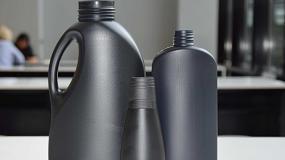 Foto de Henkel presenta envases de plástico negro reciclable