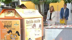 Foto de El Ayuntamiento de Granada finaliza la limpieza de 50 contenedores de reciclaje de aceite doméstico