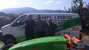 Foto de Suministros Ilaga entrega en Andoáin (Guipúzcoa) una desbrozadora MDB Green Climber