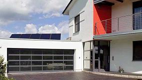 Foto de Puertas seccionales de garaje con marco de aluminio Hörmann