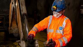 Foto de Monos DuPont Tyvek para la protección en operaciones en minas de cobre