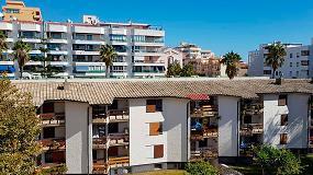 Foto de Rehabilitación energética de 1.200 m2 de cubierta de un bloque de viviendas en Fuengirola