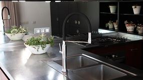 Foto de Ramon Soler presenta su nuevo grifo de cocina extraíble con sistema de imanes
