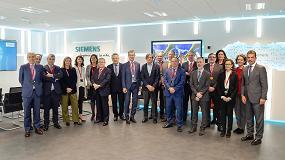 Foto de Siemens muestra a los socios de Feique la digitalización aplicada al sector químico
