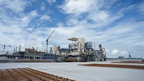 Foto de Las extendedoras de encofrado deslizante de Wirtgen participan en la construcción del nuevo Yogyakarta International Airport