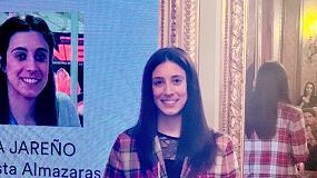 Foto de Nina Jareño premiada en los II Premios ORIVA de Comunicación