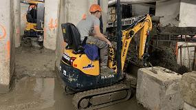 Foto de La HX10A de Hyundai Construction Equipment recorre los cimientos de la residencia Knibbeler