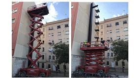 Foto de Mateco trabaja en el mantenimiento del monumento barcelonés Balanza Romana