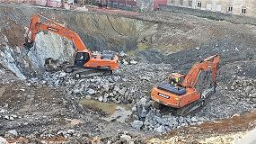 Foto de Excavadoras Doosan trabajan en el centro de Santander