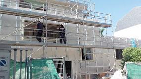 Foto de ISO-TOP Winframer Type 1, de ISO-Chemie, para instalación de ventanas en fachada ventilada